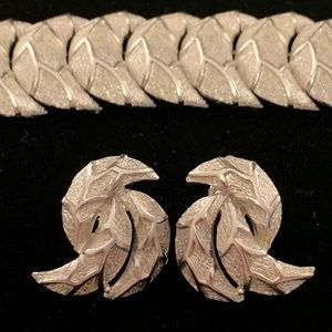 VTG_Coro_Pegasus_1938_Half Moon_Bracelet/Earrings